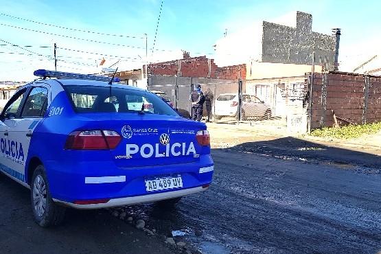 Viviendas allanadas por el personal de la Comisaría Quinta, luego que detuvieran a un sujeto robando elementos de una casa.