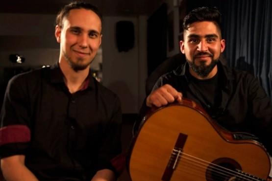 Ellos tocaban en los colectivos de Buenos Aires.