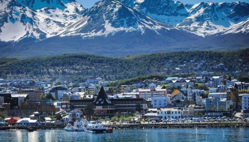 Foto la ciudad de Ushuaia, capital de Tierra del Fuego.