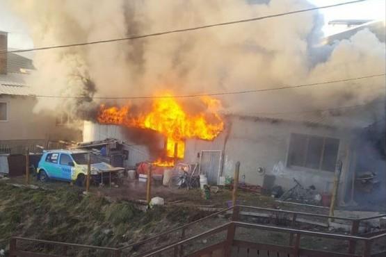 Casa incendiada en Ushuaia.