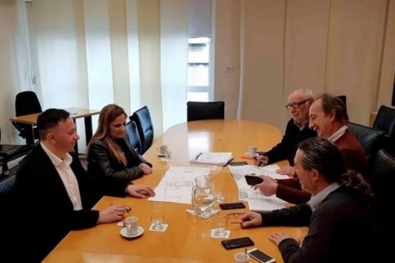El intendente en reunión con autoridades del INTA.