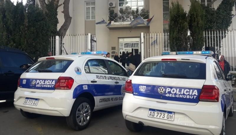 Los patrulleros otorgados por la Comuna, a la Policia de Chubut.