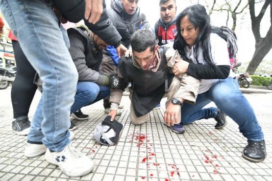Una de las violentas imágenes. (Tiempo Argentino)