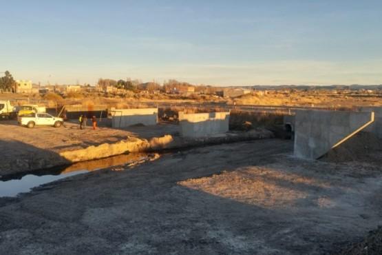 Retomaron los trabajos para la construcción del puente de Caleta Córdova