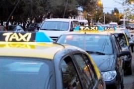 """Taxistas en alerta y movilización contra """"transportes truchos"""""""