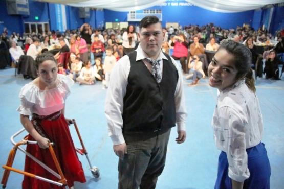 La celebración se realizó en el Polideportivo de Petroleros Privados. (C. G)