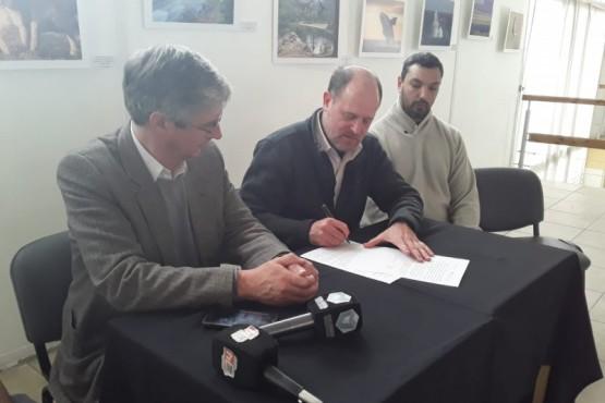 Firma de la carta de intención con la Secretaria de Ambiente de Nación