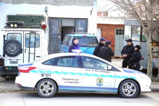 El procedimiento se realizó ayer en la casa del tío de uno de los detenidos. (Foto: C.G.)