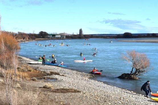 Kayak en el río.