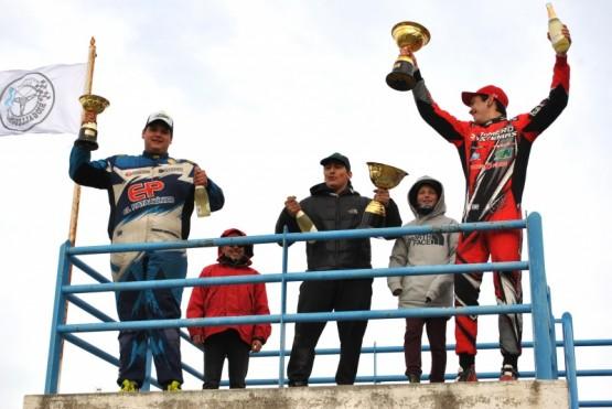 Martínez, Riestra y Ortiz en el podio.