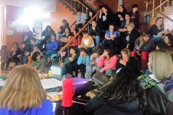 Descontarán los días de paro a los docentes a partir del 1 de setiembre