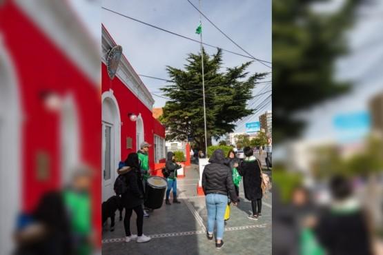 """""""Vamos a presentar imágenes que justifican la denuncia y será tarea de la fiscalía calificar la conducta de estas personas"""", comentó el asesor municipal."""