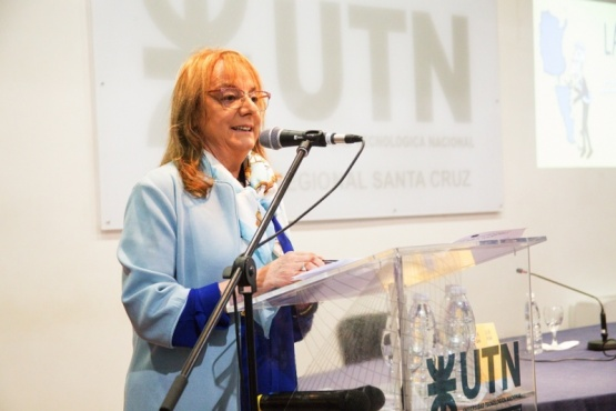 """Alicia Kirchner, ayer en la presentación del libro """"La Patagonia Ajustada"""". (C. González)."""