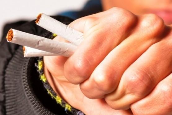 Desde 2011 en la Argentina está prohibida la importación, distribución, comercialización y publicidad del cigarrillo electrónico.