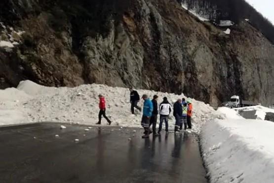 La nieve impidió el paso por la ruta.
