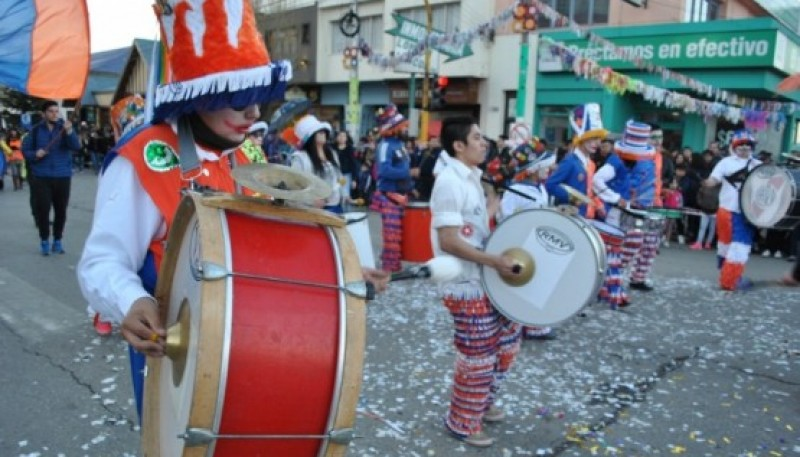 Las murgas serán parte del festejo este domingo (Foto archivo)