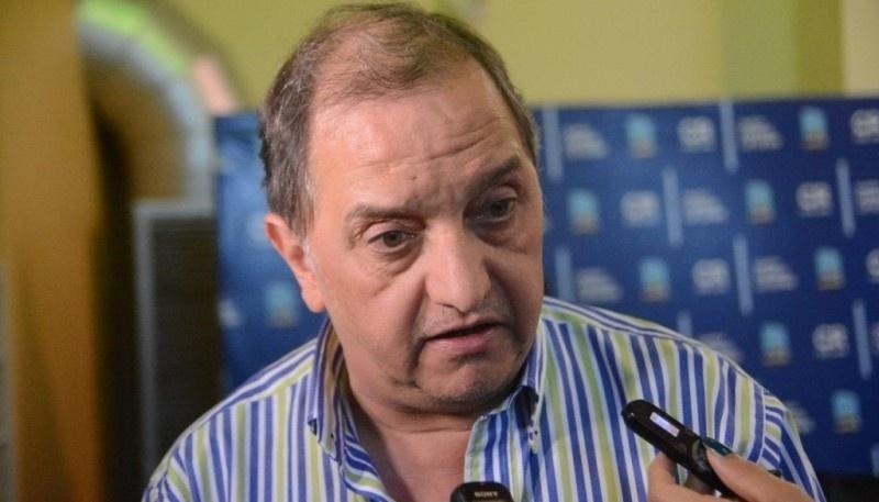 El intendente municipal, Carlos Linares.