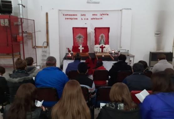 Los fieles se congregaron en la sede.