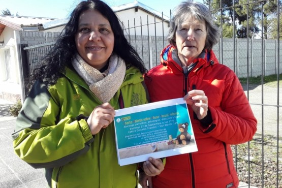 Viviana Azpelicueta y Elena de Portalea de la iglesia adventista.
