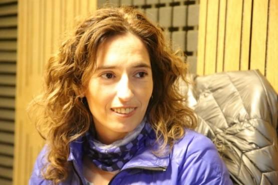 La ministra de Salud, Rocío García en los estudios de Tiempo FM.