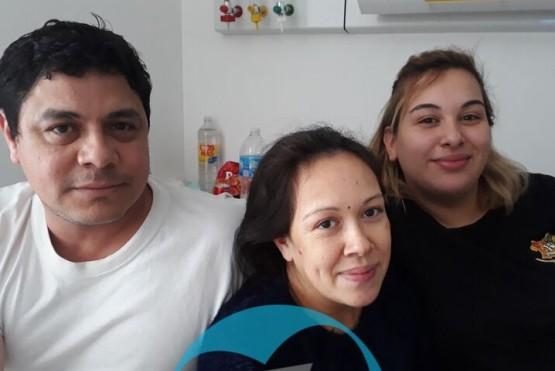 La familia Riveiro recibió a los trillizos en el Hospital Regional.