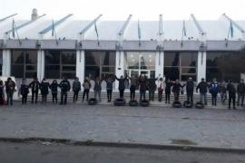 Bloquean el ingreso a Economía y piden juicio político a Arcioni