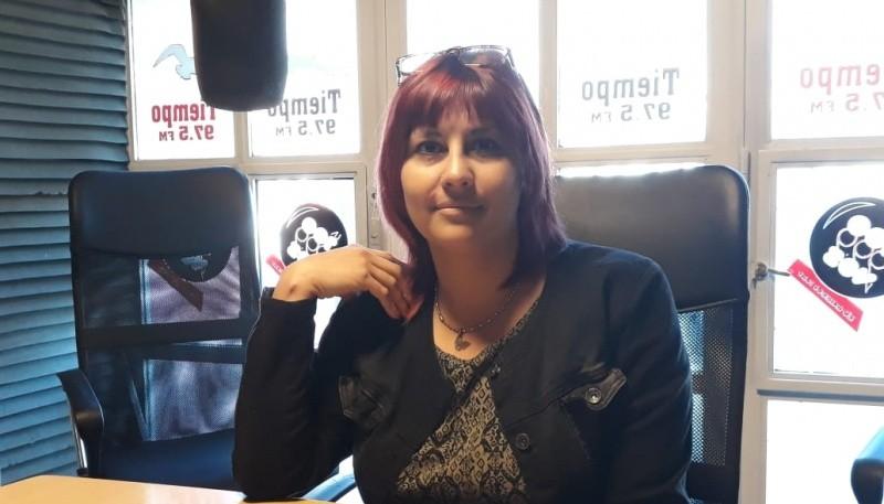 Analía Muñoz, candidata a concejal en los estudios de Tiempo FM. (Foto Buen Día)