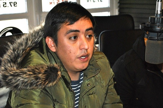Gonzalo Mansilla en los estudios de Tiempo FM. (Foto J.C.C.)