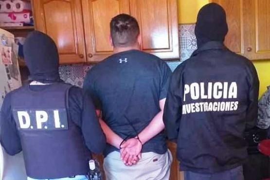 Los sujetos fueron detenidos durante los allanamientos.