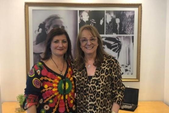 Alicia junto a la presidenta de la Federación Internacional de Trabajadores Sociales.