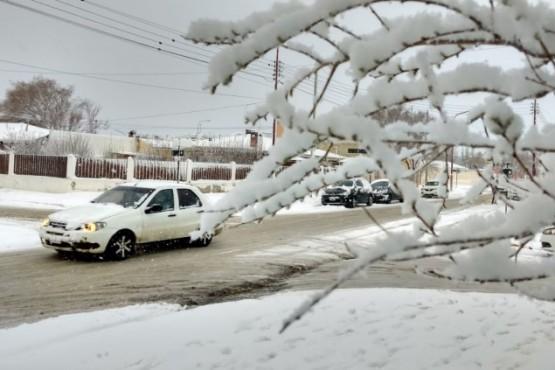 Nieve en la calle de Río Gallegos (Foto C.G.)