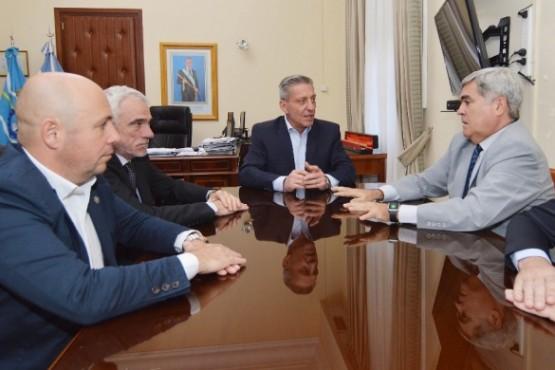 El gobernador reunido con entidades del Poder Judicial.