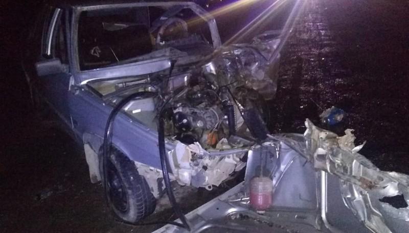 Uno de los autos que colisionó en Esquel.