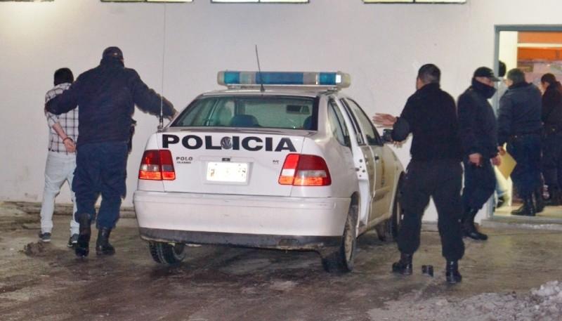 El sujeto estuvo detenido seis horas y se retiró.