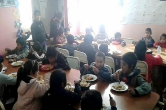 Los chicos concurren durante la semana al comedor de Juan Romero.