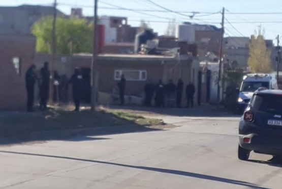 Vecinos alertaron a la Policía y la fuerza llegó al lugar.