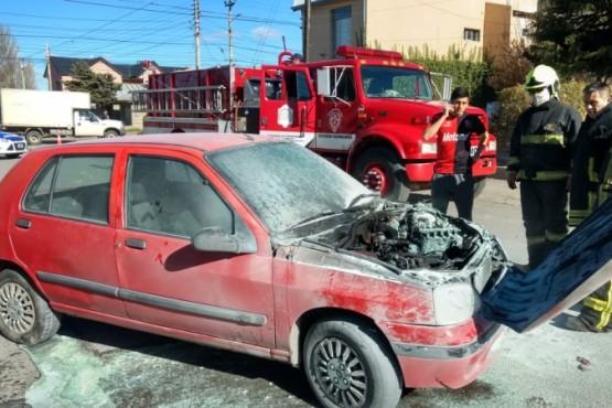 Auto que sufrió incendio (C.G)