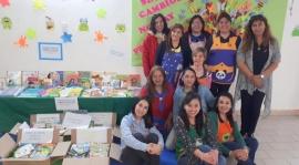 Jardines maternales reciben material de lectura