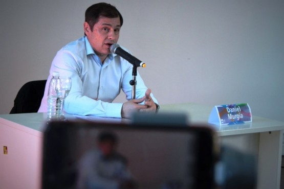 """Daniel Murgia en el ciclo """"Democracia, política y candidatos""""."""
