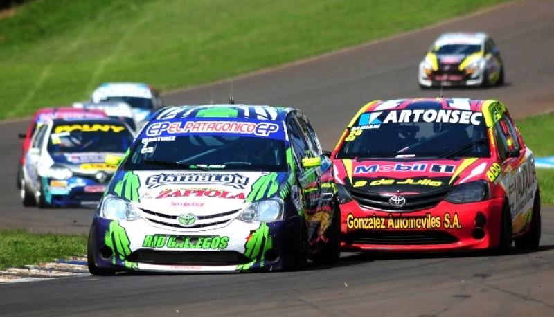 Martinez con el auto verde.