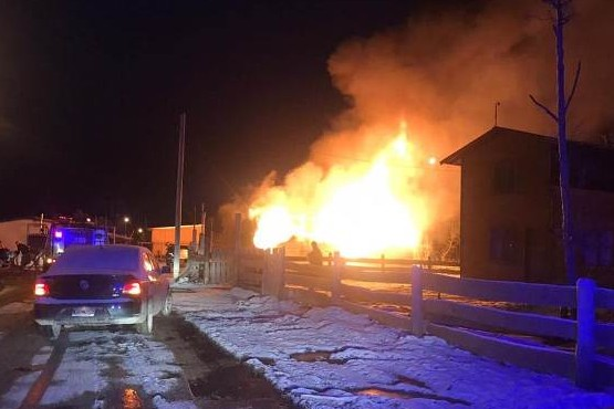 El dantesco incendio del cual fue rescatada con vida la mujer.