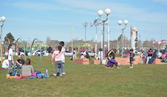 El Parque lleno. (C.R)