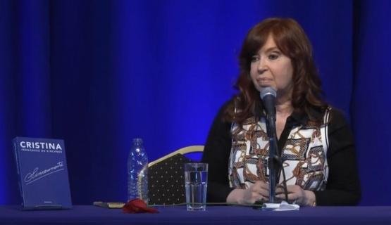 """Cristina apuntó contra Macri y dijo que la situación """"no da más"""""""