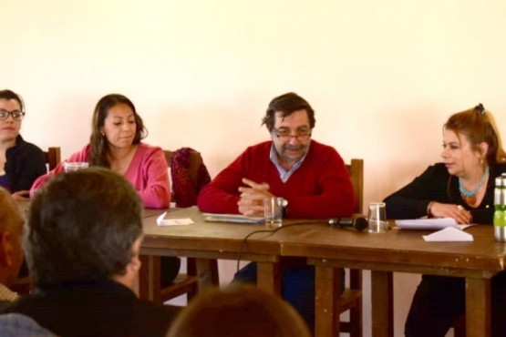 """El debate fue realizado en """"La Nativa"""", gracias al aporte de un vecino."""
