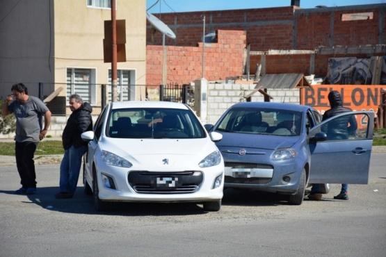 Estado en que terminaron los rodados tras colisionar en Ríquez. (Foto: C.R.)