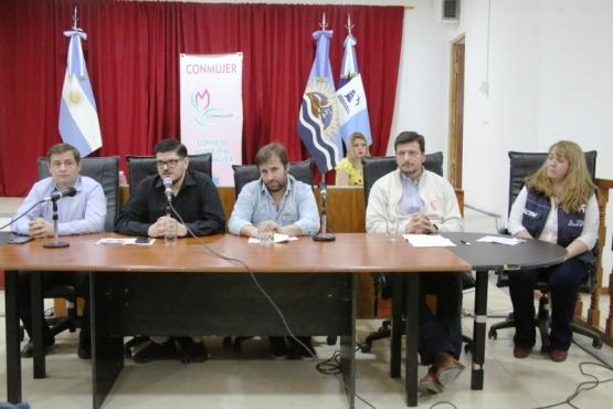 Murgia, Valentín, Gómez Bull y Roquel, los únicos presentes. (C.G.).
