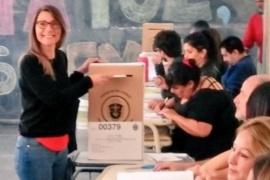 Gloria Saez y Daniel Ruiz se presentarán hoy en Comodoro Rivadavia