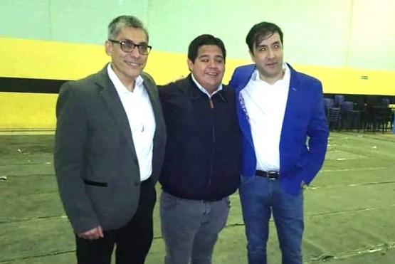 Emilio Maldonado junto a Grasso.
