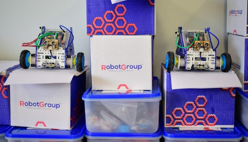 Kits de robótica.