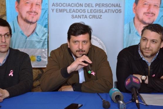Conferencia de Gómez Bull junto a Abramenko, titular de APEL (Foto C. Robledo))